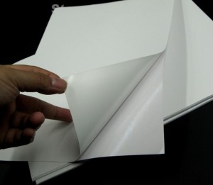 papel-autoadhesivo-etiqueta-calcomania-carta-100-hojas-D_NQ_NP_725351-MLV26635268441_012018-F